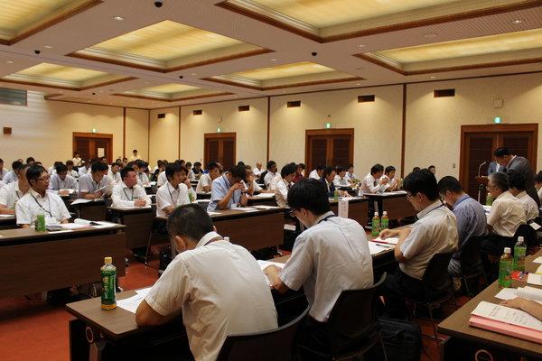 県下の青壮年盟友約140人が参加