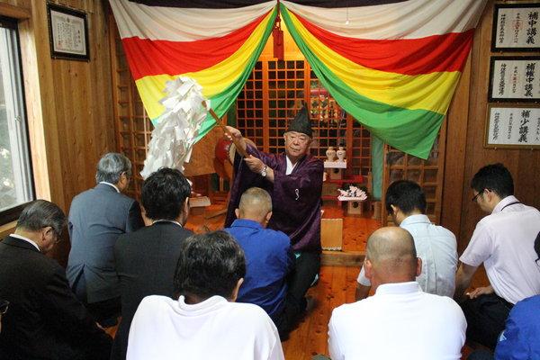 河内稲荷神社で安全祈願