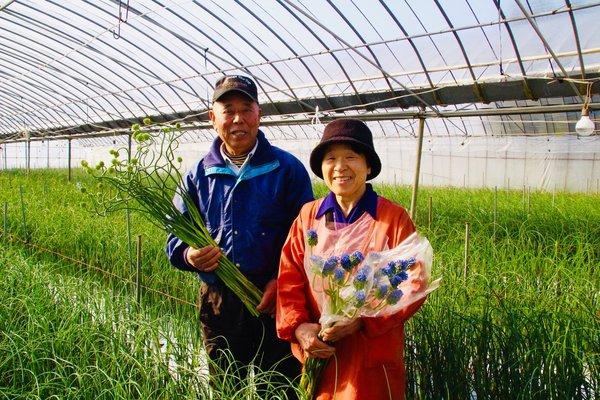 中村寿人さんと妻の京子さん